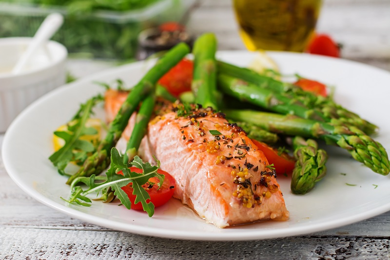 Baked salmon can promote better sleep